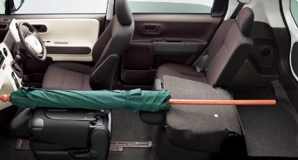 トヨタ ポルテ車中泊時の荷室サンプル